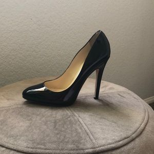 JIMMY CHOO black patent leather Victoria pumps